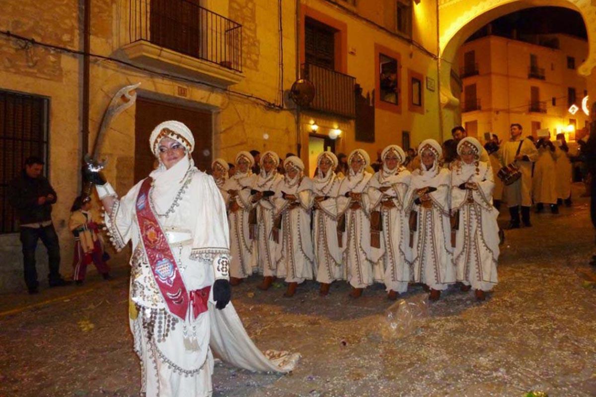 fiesta-de-san-blai-moros-y-cristianos-en-bocairent-1-945x709